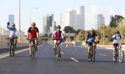 Tutti in bicicletta a Tel Aviv